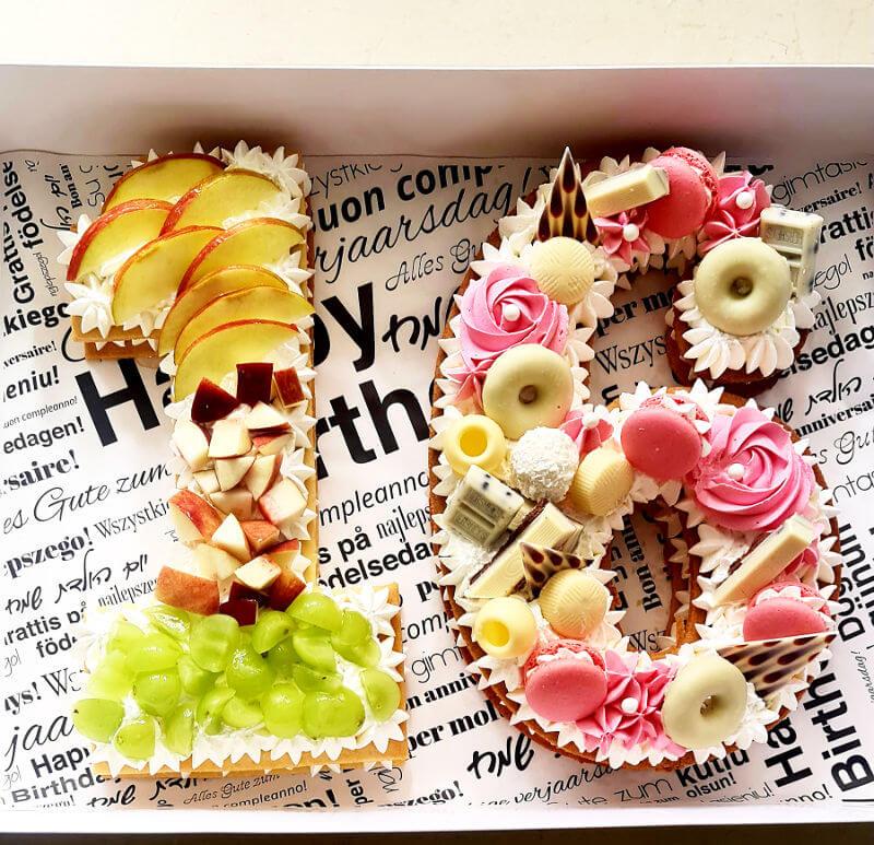 עוגת מספרים שוקולד ופירות