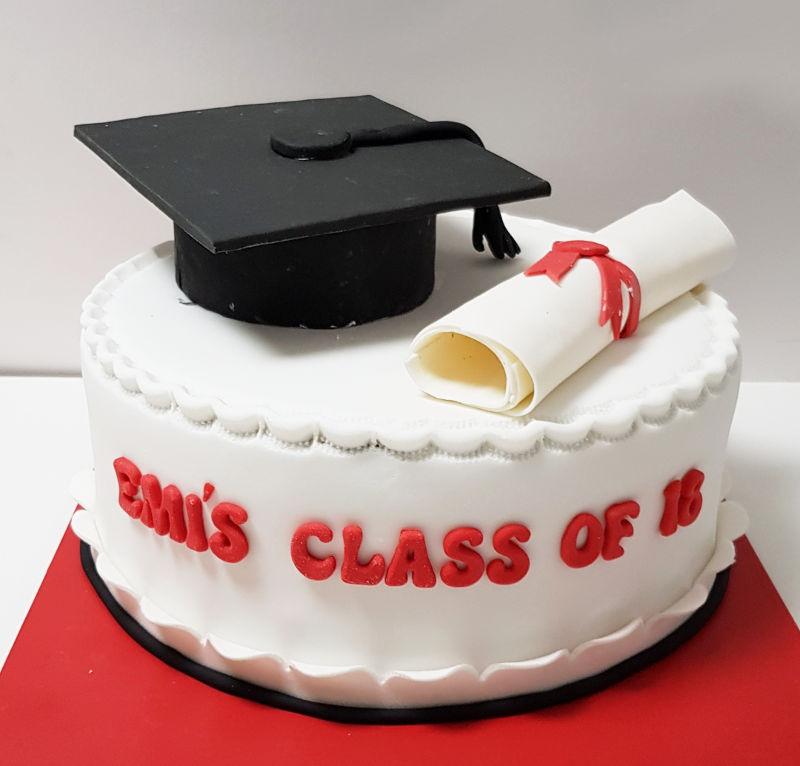 עוגת סיום תואר מבצק סוכר