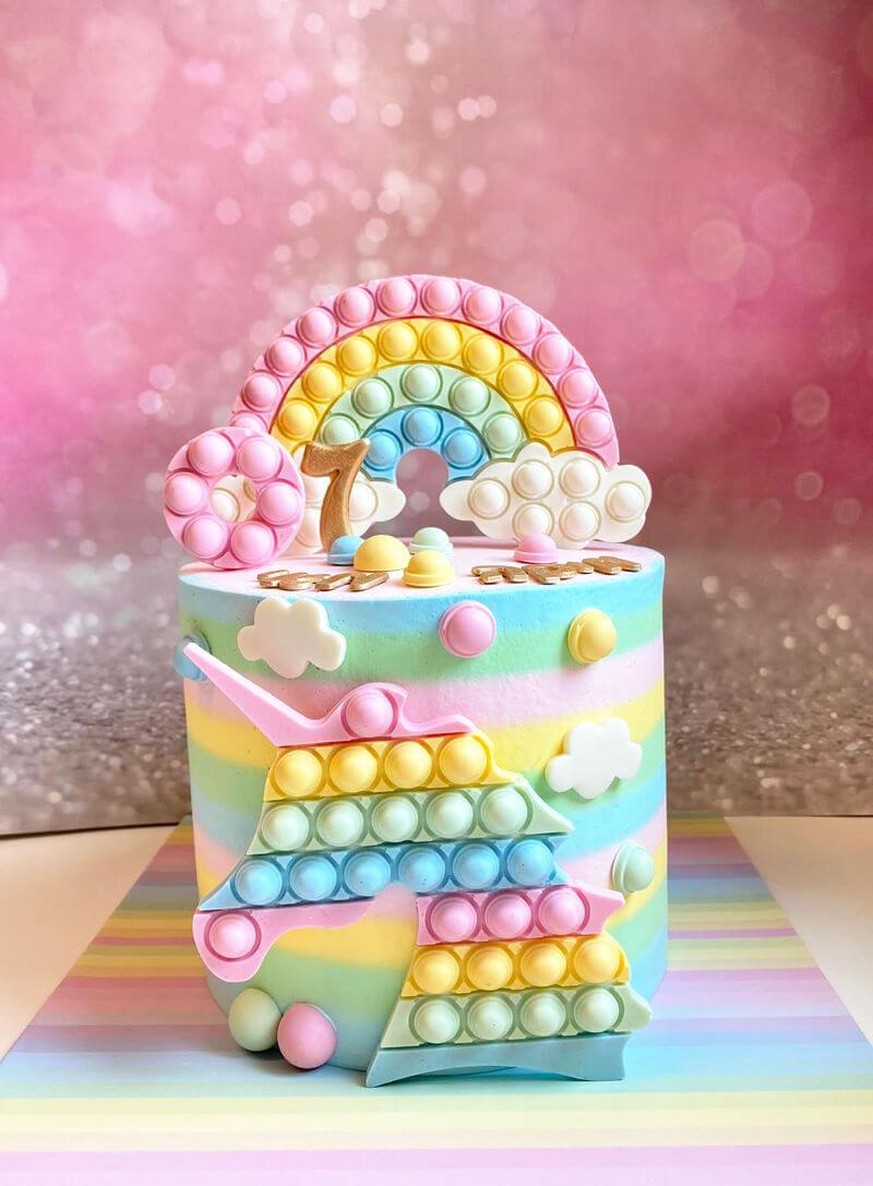 עוגת פופיט וחד קרן ליום הולדת