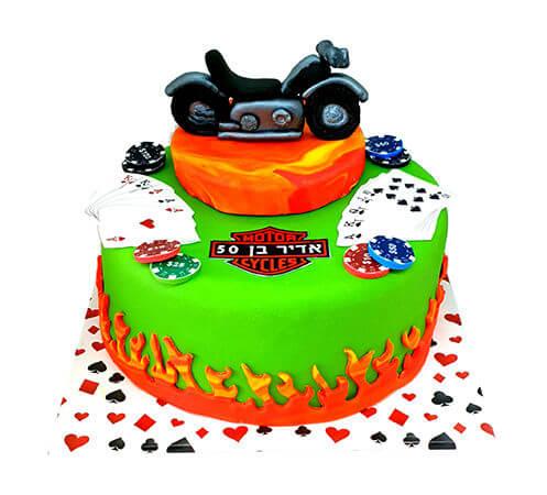 עוגת פוקר ואופנוע לגבר