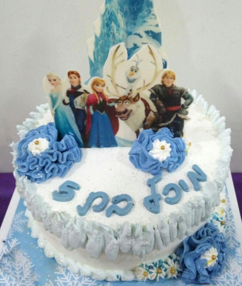 עוגת פרוזן אלזה ואנה
