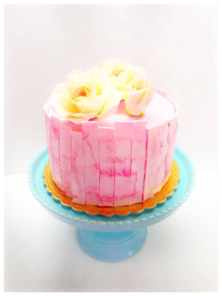 עוגת פרחים מבצק סוכר