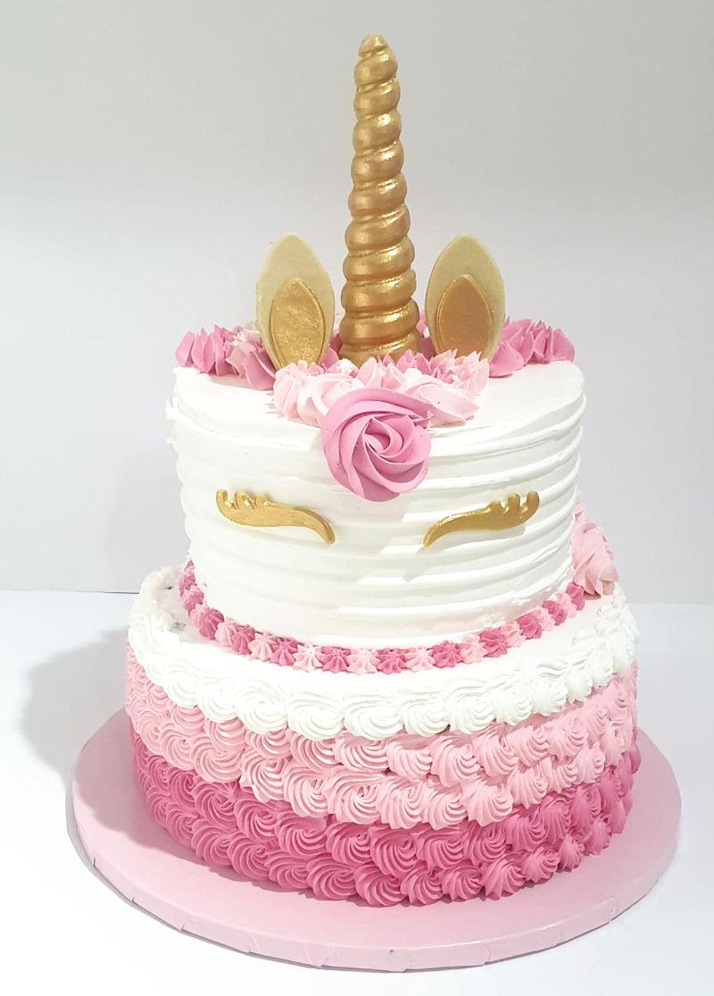 עוגת קומות בזילוף חד קרן