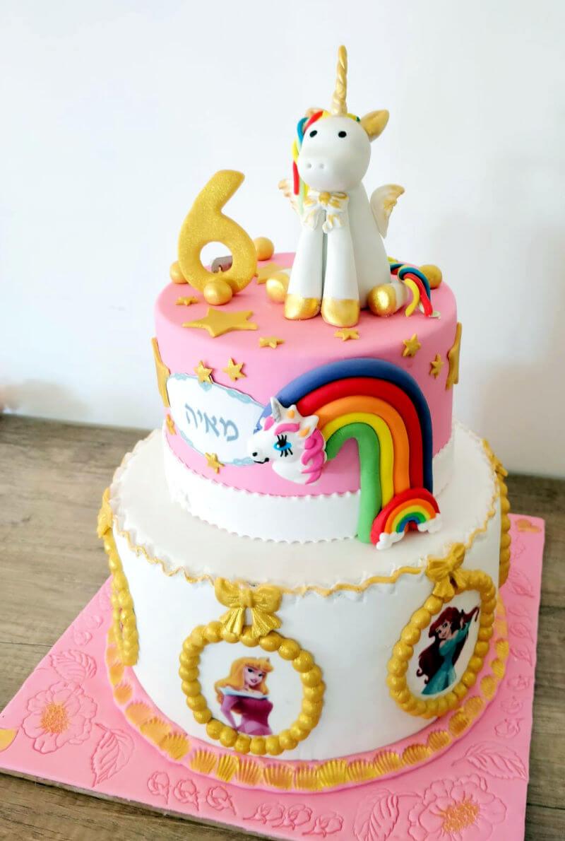 עוגת קומות מעוצבת חד קרן ונסיכות מבצק סוכר