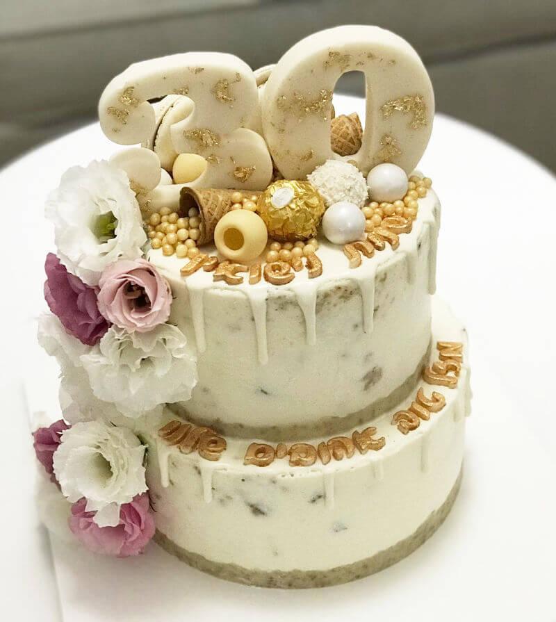 עוגת קומות מעוצבת ליום נישואין