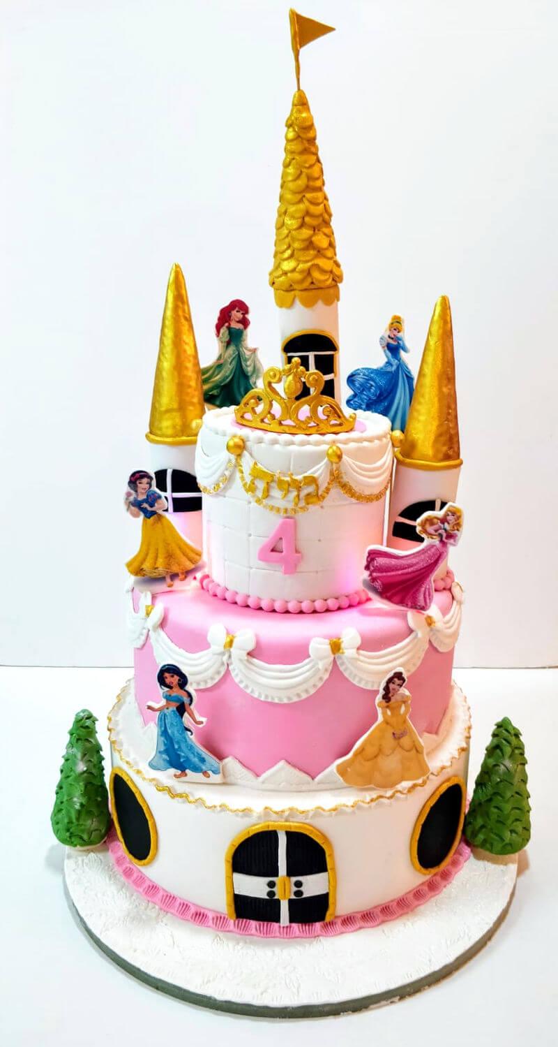 עוגת קומות נסיכות מבצק סוכר