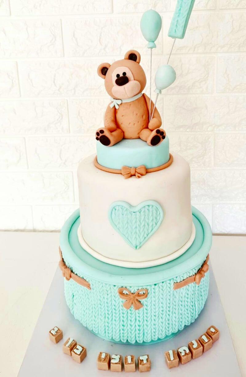 עוגת קומות עם דובי לבן