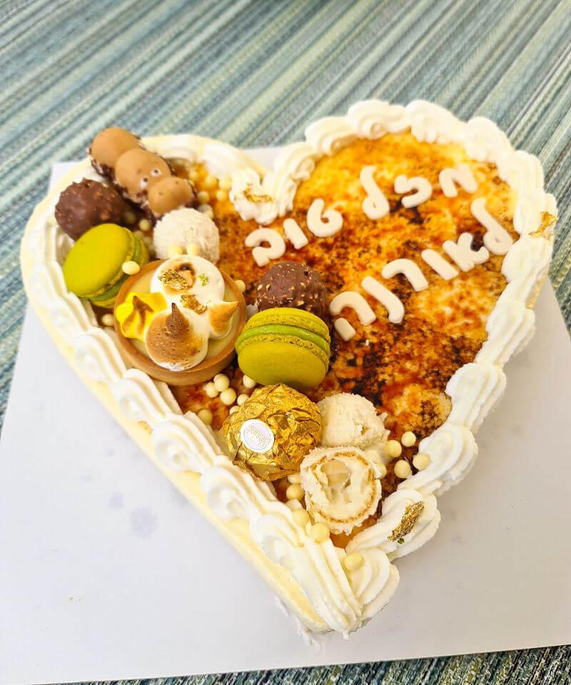 עוגת קרם ברולה ליום הולדת