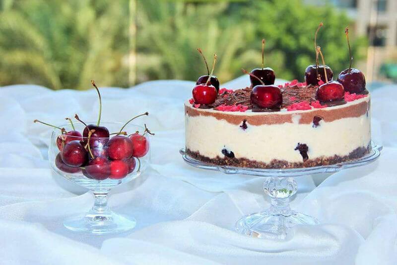 עוגת ראווה עם דובדבנים