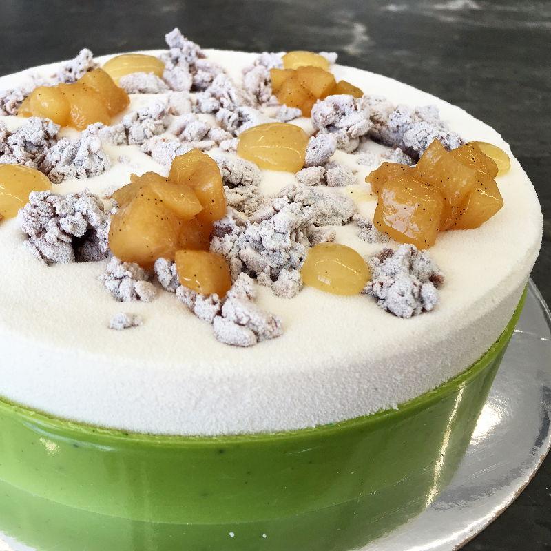 עוגת ראווה בוואריה וניל ואגסים