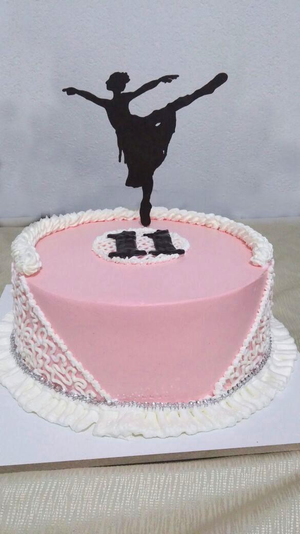 עוגת יום הולדת רקדנית