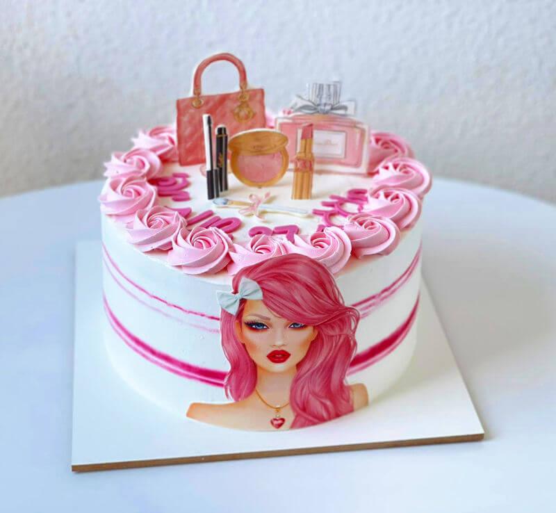 עוגת שופינג מותגים ואיפור לאשה
