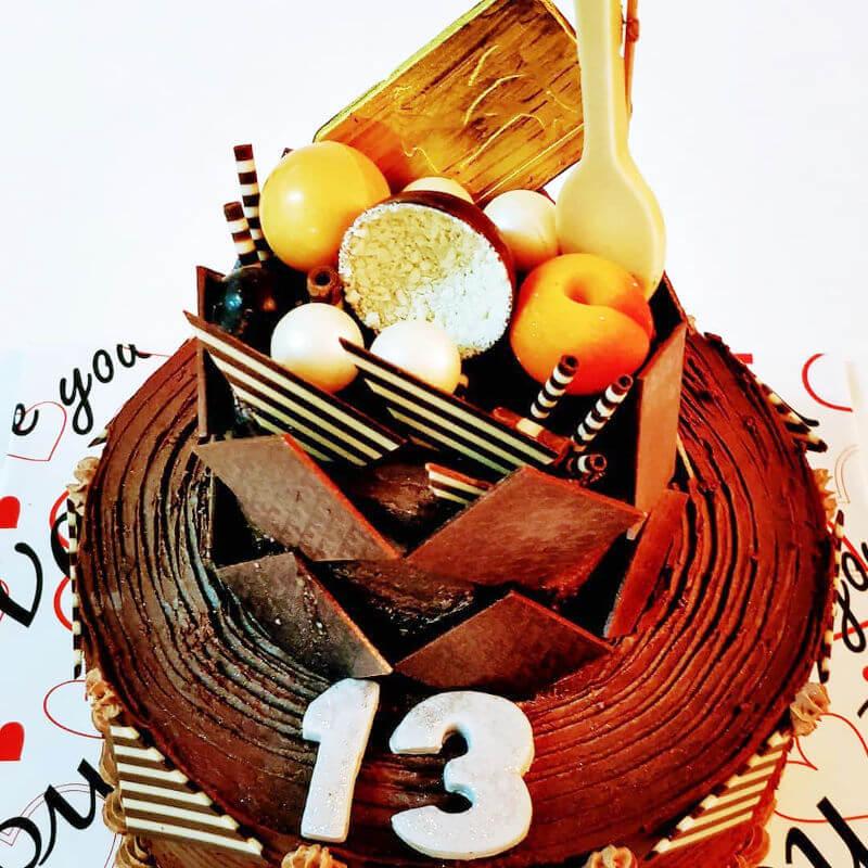 עוגת שוקולדים וממתקים לבר צווה
