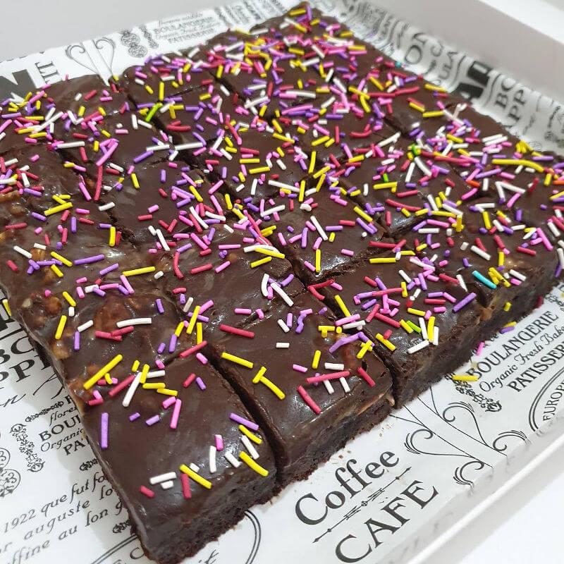 עוגת שוקולד וסוכריות