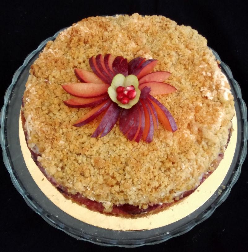 עוגת שזיפים וקראמבל פריך