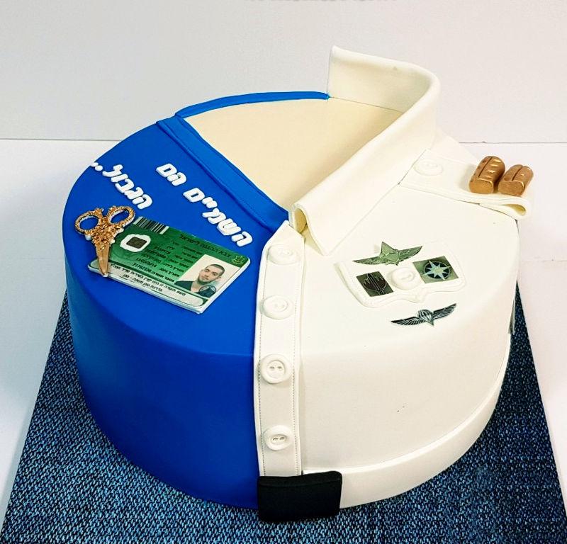 עוגת שחרור מבצק סוכר