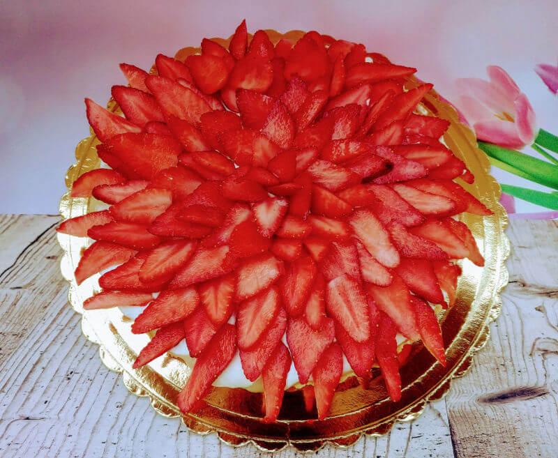 פאי תותים ושוקולד לבן