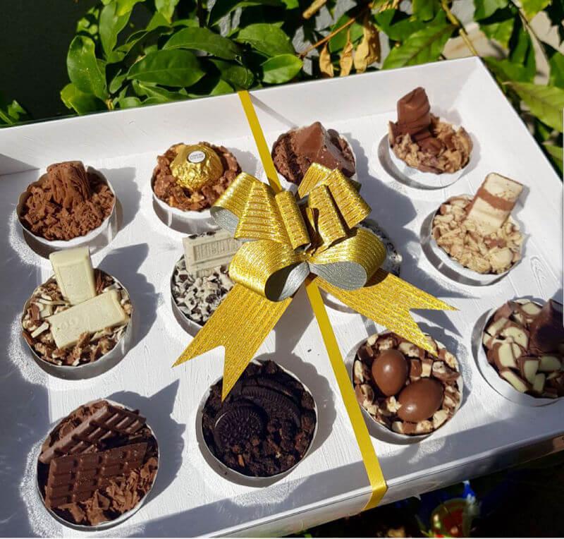 קאפקייקס עם מלא שוקולדים