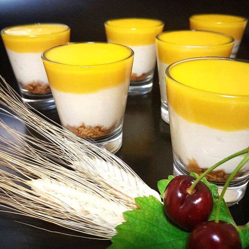 קינוחי כוסות גבינה ומנגו