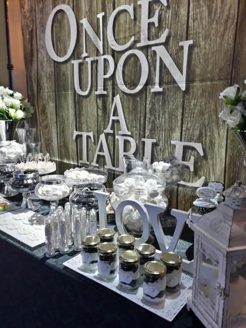 שולחן מתוקים חתונה