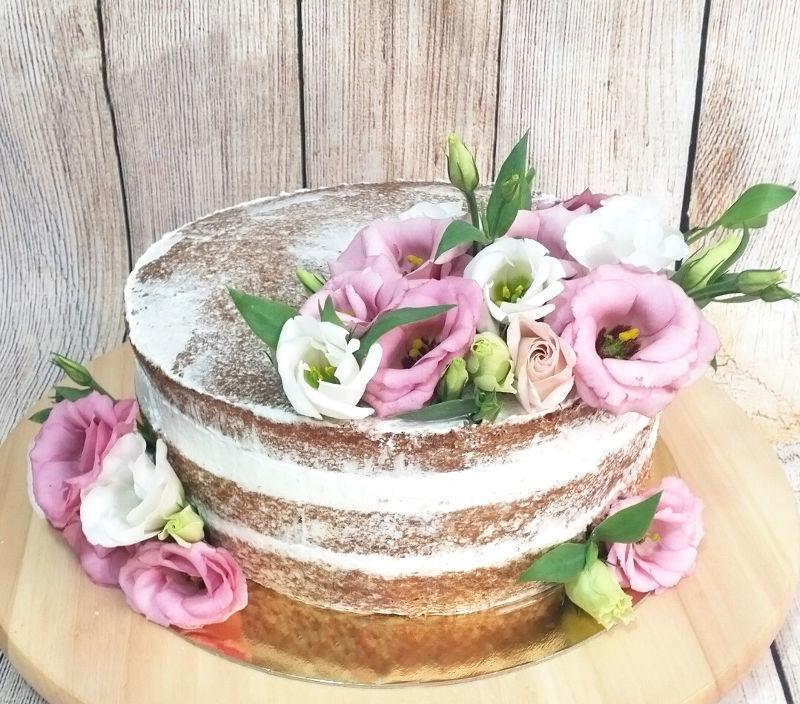 עוגת שכבות עירומה